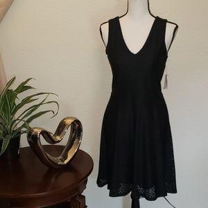 CeCe black v-neck patterned dress